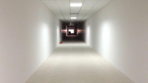 hành lang tòa nhà Audi Building 1